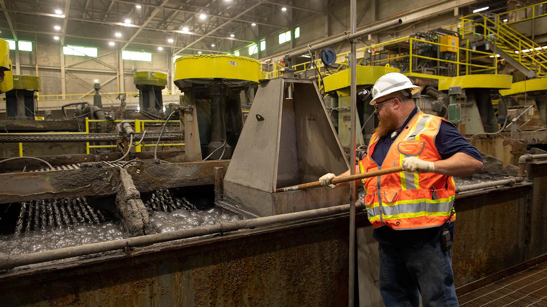 A Brushy Creek Mill employee oversees the zinc flotation process.
